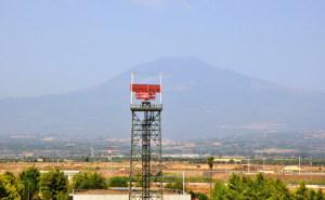 Radar e l'Etna in lontananza