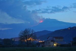 Cenere vulcanica durante l'eruzione dell'Etna
