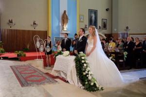 Gianni e Chiara in chiesa