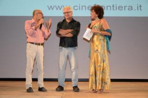 Al centro il regista Pasquale Scimeca