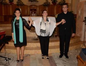 Il Trio ringrazia e saluta il pubblico al termine del concerto