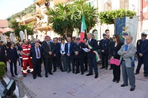la cerimonia in piazza