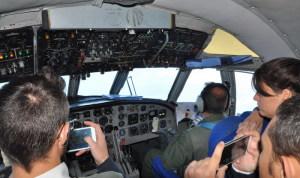 Studenti nella cabina piloti