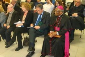Da sin. Don Santino Spartà, Rosanna Vaudetti, Giuseppe Vecchio e Mons Kabongo