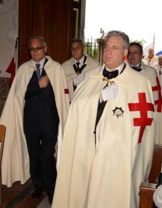 L'ingresso in chiesa del GC Nicola Scibilia