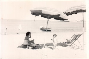 Il primo stabilimento balneare a Giardini realizzato dal Sindaco Mangano