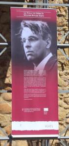 Uno dei banner della mostra
