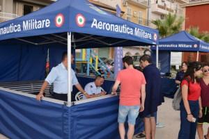 Un Information Desk dell'Aeronautica Militare sulla Via Tisandros