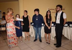 I riconoscimenti agli allievi dell'Accademia Pianistica Italiana di Taormina assieme al vicedirettore prof.ssa  Daniela Diamante