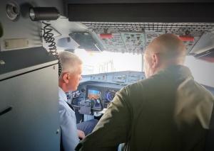 Visita alla cabina di pilotaggio del P72A