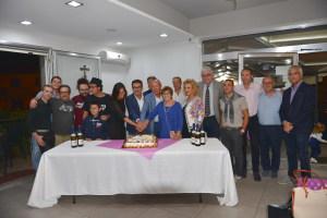 La foto di gruppo con la torta del Film Festival