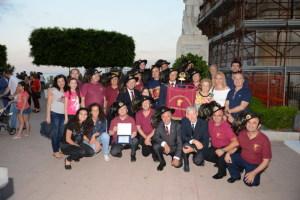 Al centro Gianni Saglimbeni con un gruppo di bersaglieri dell'associazione Peloritana