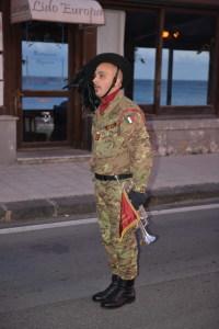 Il comandante da gli ordini di ricomposizione della fanfare prima del ritoro alla postazione Telethon