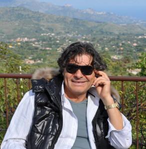 Il maestro Luigi Centra a Piedimonte Etneo in Sicilia