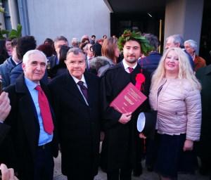 La foto assieme al prof. Cardinale e ai genitori il prof. Ignazio Vecchio e la prof.ssa Cristina Tornali