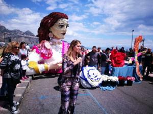 Claudia Andreatta e il carro in fiori