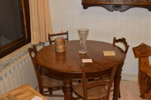 Un tavolo in noce