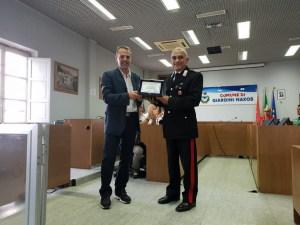 Il Presidente del Consiglio Consegna la Targa al Brigadiere Ruffo
