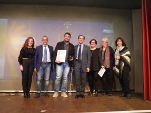 Il Consiglio dell'Azione Cattolica di Giardini Naxos  consgna il Premio all'Ufficio Migrantes