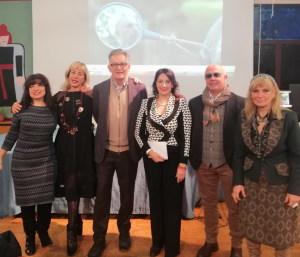 Nella fot da sin. Tosi Siragusa, Daniela Conti, Luigi Baldari, Silvana Paratore, Matteo Allone, Maria Grazia Saia
