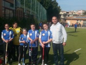 La squadra femminile del GS Raccomandata con l'allenatore Massimo Brunetto