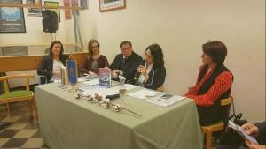 Al centro del tavolo l'avv. Silvana Paratore
