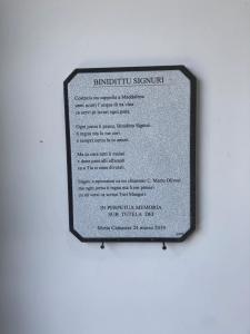 La poesia collocata nella cappella scritta in vernacolo siciliano