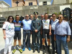 La foto di gruppo con i protagonisti dell'impresa
