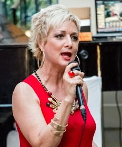 La cantante Maria Russell