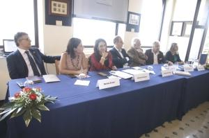 Il tavolo dei relatori alla conferenza