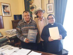 Luigi Di Pino con il Sindaco ed il Parroco Di Mauro