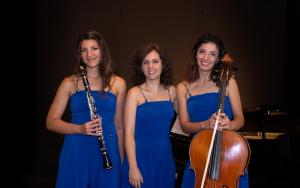 Da sinistra Vanessa Grasso, Giulia Russo, Chiara D'Aparo