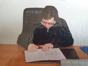 L'arch. Benedetto Termini Commissario Azienda Turismo firma il Comodato d'Uso per i due presepi