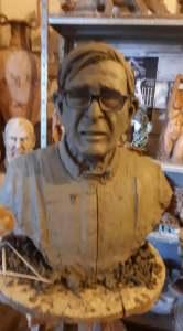 Uno dei busti in argilla