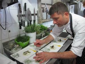 Lo Chef Pietro D'Agostino a lavoro