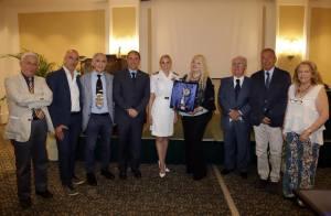 La foto di Gruppo con la premiata