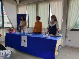 Il momento di raccoglimento per le vittime del coronavirus