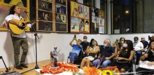 Luigi Di Pino nella mostra di Giarre