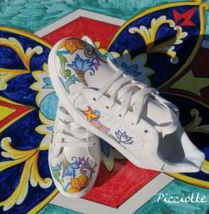 Un paio di scarpe personalizzate